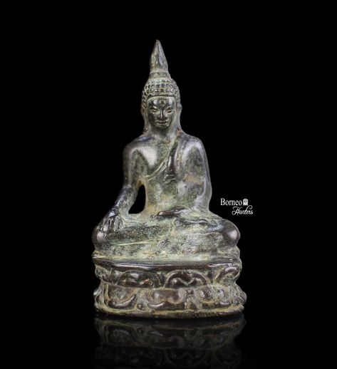 Small Peaceful Seated Buddha Statue Smiling Thai Buddhist w Lotus Flower Blossum