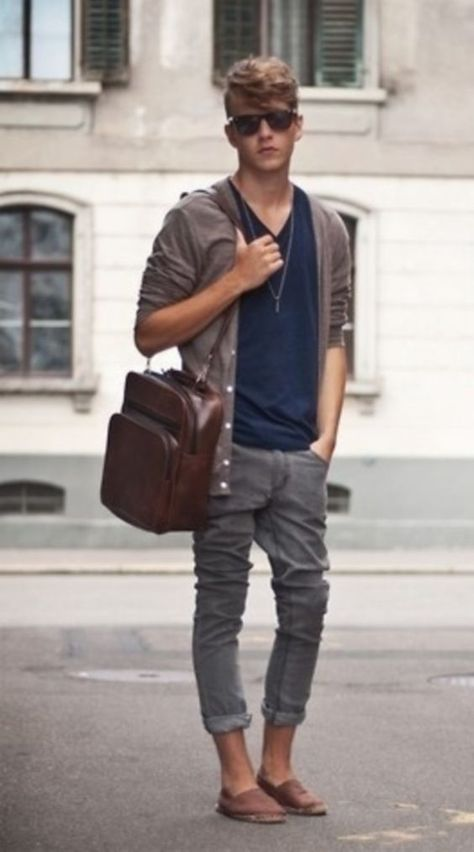 Summer outfit inspiration with a gray cardigan sweater navy v-neck sweater brown… - Man Fashion 2019