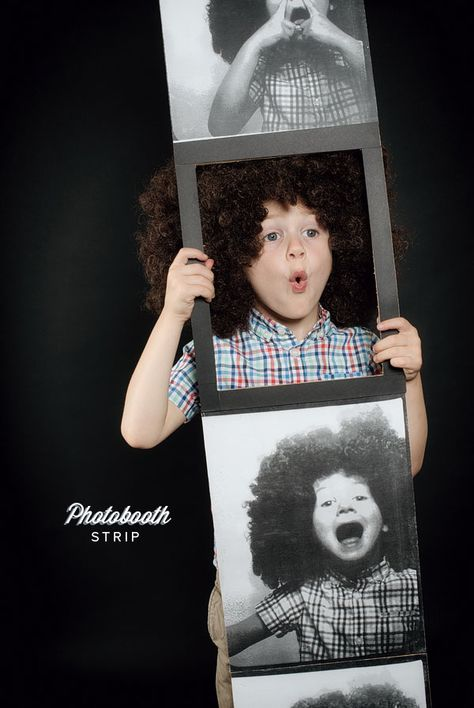 Try out this DIY Photobooth Strip Costume,for a quick, fast Halloween costume.