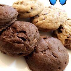 S B Cookies وصلني قبل كم يوم كوكيز طري هش ويذووب والشكولاته جالكسي يمي يمي فاللي تبي تارت بشكل جميل وجذاب واللي تبي اطعم وانطع كوكيز Food Desserts Cookies