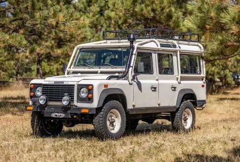 1993 Land Rover Defender 110 Nas In 2020 Toyota Land Cruiser Land Rover Defender Land Cruiser