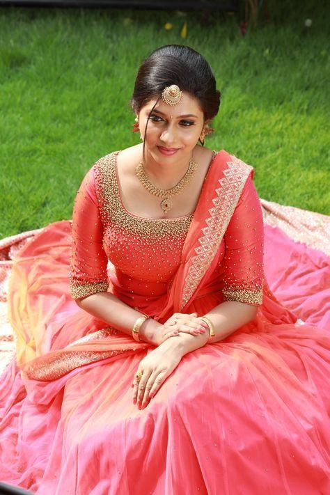 Trendy Wedding Gown Simple Kerala Ideas Engagement Dress For Bride Wedding Reception Dress Engagement Gowns