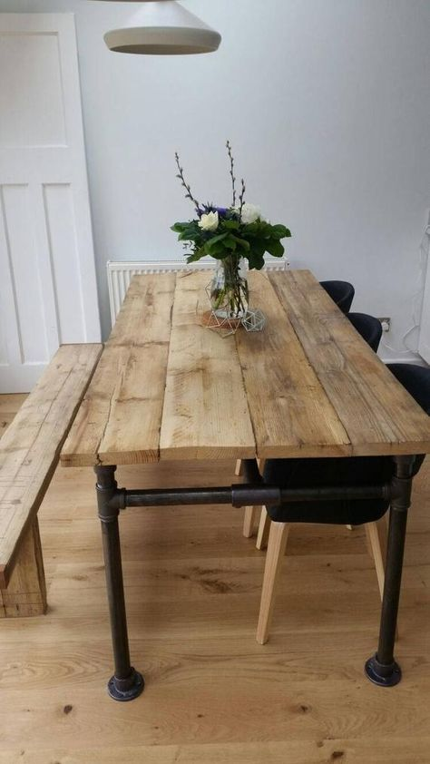 kitchen table Rustic Scaffold Board and Gas Pipe Table Rustic Kitchen Tables, Diy Dining Table, Rustic Table, Wood Tables, Diy Wood Table, Kitchen Table Legs, Kitchen Island, Diy Garden Table, Reclaimed Wood Dining Table