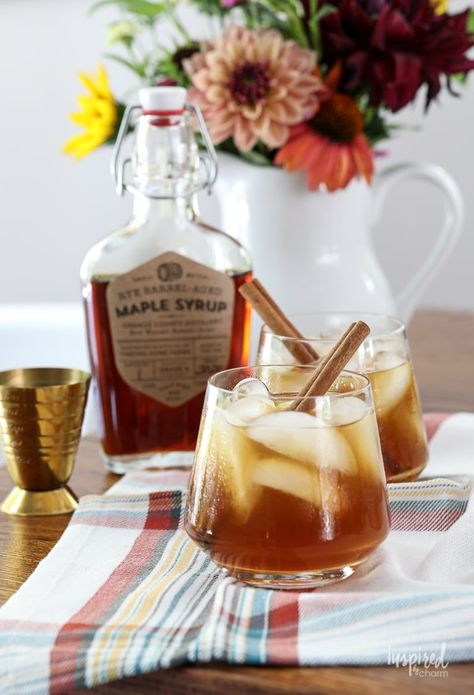 Cider and Maple Old Fashioned Cocktail Recipe #applecider #maplesyrup #cider #bourbon #oldfashioned #cocktail #fallcocktail #recipe