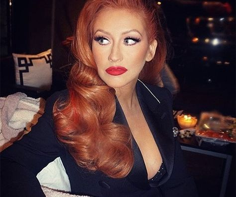 Christina Aguilera now has red hair!