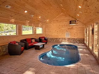 Splashin Treehouse Indoor Pool Game Homeaway Gatlinburg Gatlinburg Cabin Rentals Cabin Rentals Gatlinburg Cabins