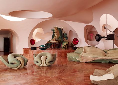 Le Palais Bulles by Antti Lovag for Pierre Cardin / South of France Architecture Design, Organic Architecture, Pavilion Architecture, Gothic Architecture, Ancient Architecture, Residential Architecture, Contemporary Architecture, Pierre Cardin, Bubble House