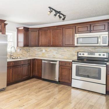 York Saddle Cabinets Lily Ann Cabinets Kitchen Cabinets Rta Kitchen Cabinets Wholesale Kitchen Cabinets