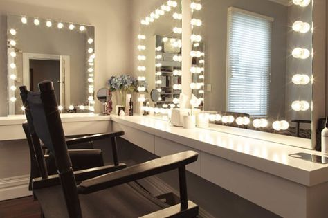 I want this in my new home:) Home Makeup Studio