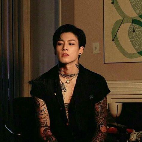 حيث جيون جونغكوك يبحث عن بيبي بوي خاص به في برنامج التويتر هل سيجد ب قصصللمراهقين قصص للمراهقين Amreading Books Foto Jungkook Jungkook Hot Bts Tattoos