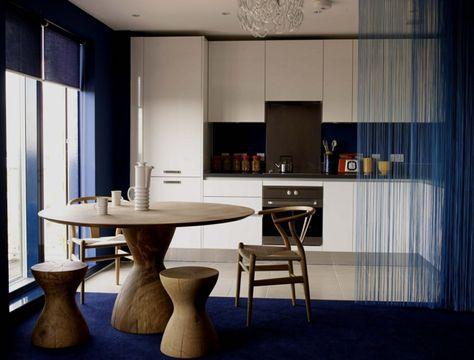 offene küche wohnzimmer abtrennen runder esstisch massivholz ...