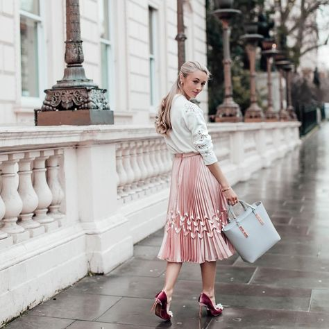 Ted to Toe: Josie is #TedtoToe perfection in Ted's dusky pink brooch embellished courts and zig-zag detail pleated midi skirt