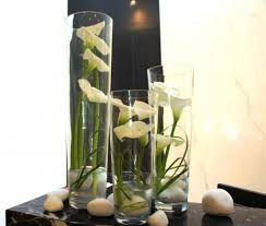 Bukiety Kwiatow W Szklanych Tubach Szukaj W Google Flower Arrangements Flowers Glass Vase