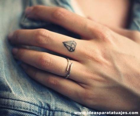 Diamond! Dedo anular izquierdo
