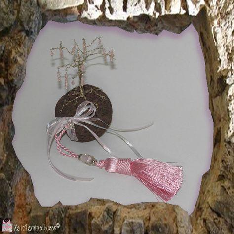 d9bbf4db4b Διακοσμητικό δέντρο γούρι 2018. Φυσική ελαφρόπετρα με δέντρο από σύρμα  διακοσμημένο με χάντρες. Για