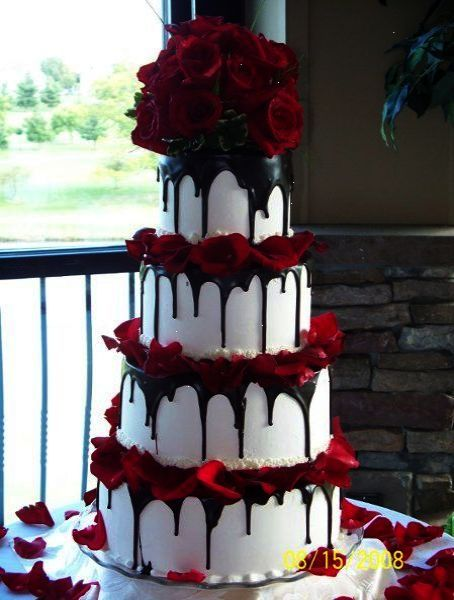 Check Out What I Discoveredwedding Cakes Bakery Near Me Wedding Cake Red Chocolate Wedding Cake Purple Wedding Cakes