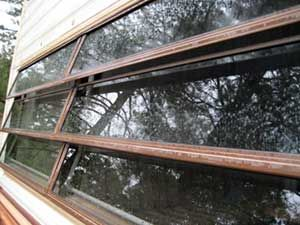 Guide To Rv Windows It S All About The Glass Rv Windows Windows Window Manufacturers