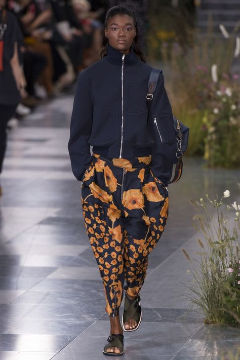 See all the Collection photos from Paul Smith Spring/Summer 2017 Ready-To-Wear now on British Vogue