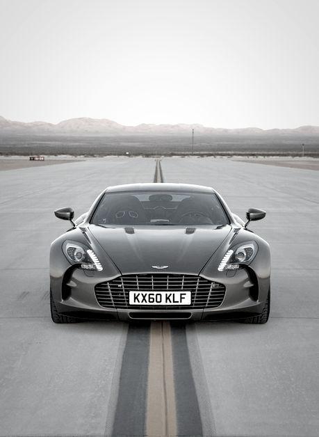 Aston Martin One77.