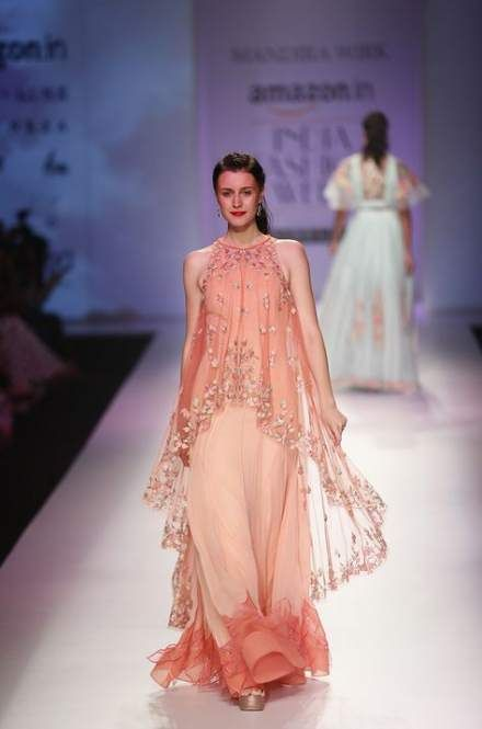 Trendy fashion week spring gowns 35 Ideas