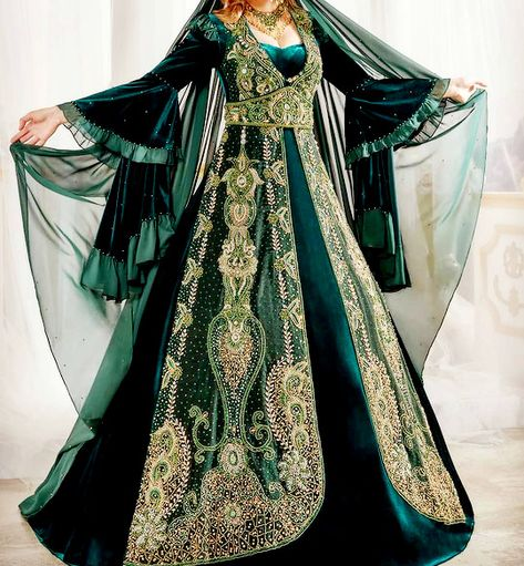 fashion-runways Edgy Outfits, Pretty Outfits, Pretty Dresses, Cute Outfits, Fashion Outfits, Beautiful Gowns, Beautiful Outfits, Harem Dress, Slytherin Clothes