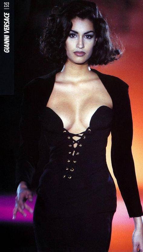yasmeen ghauri - Gianni Versace Another corseted top