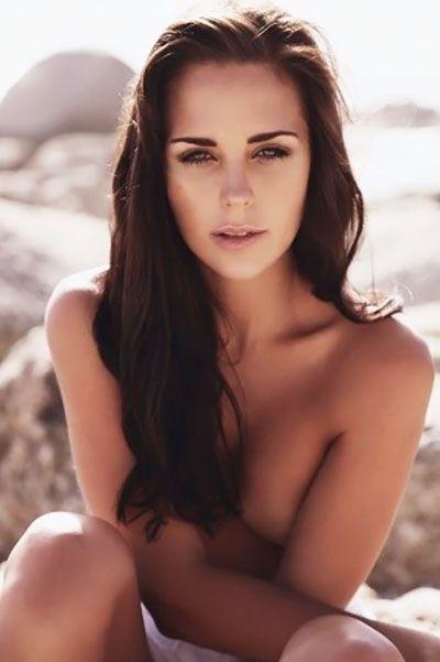 tania-van-graan-nude-jennifer-hudson-bikini