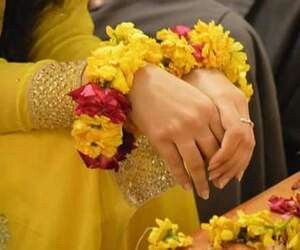 Mehndi Hands Dps : Pin by binte hawwa on girly dps