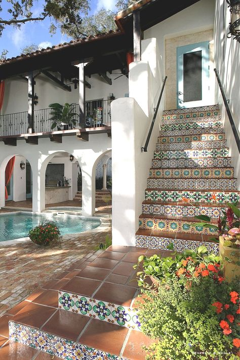 Modern Mediterranean Homes, Mediterranean Architecture, Spanish Architecture, Spanish Style Homes, Spanish House, Painted Stair Risers, Italian Style Home, Tiled Staircase, Exterior Tiles