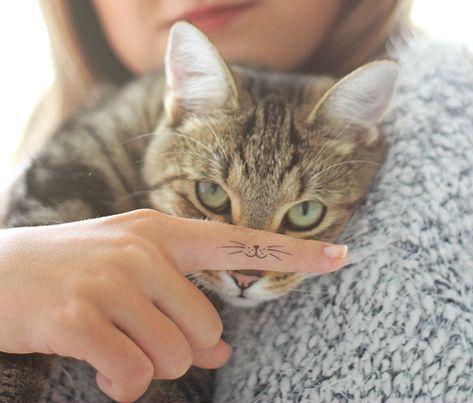 Schnurrhaare Fur Deine Katze Tattoo Finger Fingertattoo
