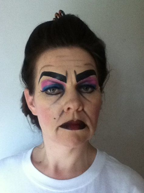 Aunts Makeup? How awesome is this @jen Adame? @Juliana   Adame #drama #drama #lessen