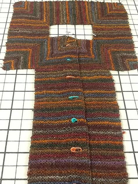 Ravelry: Project Gallery for Mitered Cardigan pattern by Elizabeth Zimmermann – … - Cardigan Stricken