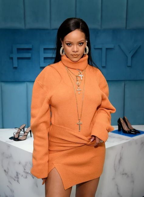 The Best Celebrity Style This Week: Rihanna, Natalie Portman and More: See our favorite looks from New York Fashion Week and other red carpet events. Rihanna Outfits, Style Rihanna, Rihanna Fashion, Rihanna Clothes, Moda Rihanna, Rihanna Looks, Rihanna Fenty, New York Fashion, Fashion Week