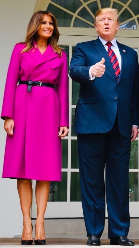 92c22c8c0f1d I love the red details of this outfit. ❤ FLOTUS #Melania Trump on ...
