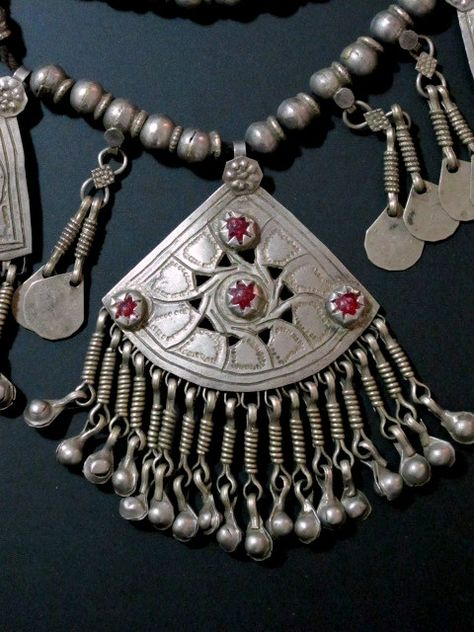Australian jewellery green jewelry hand made jewelry gift set of jewelry KASHMIRI BEAD necklace and earring set