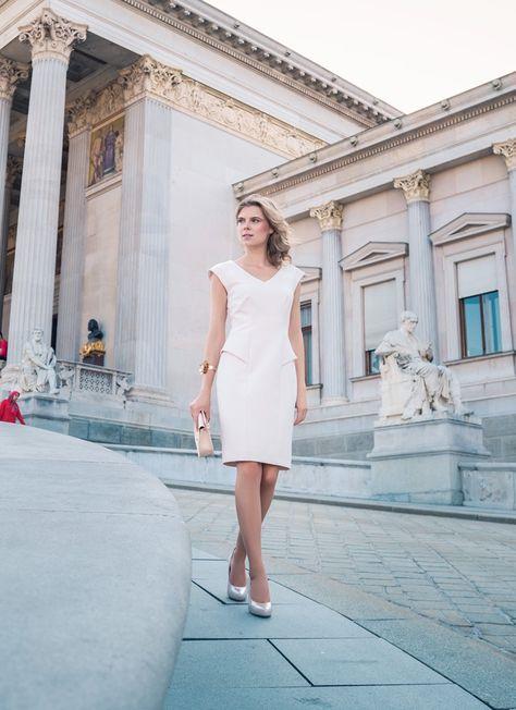 Dress: Rene Lezard Purse: Forever 21 Accessory: @mangofashion  Shoes: Deichmann 📷 Dyre Espana 💄 Ariane Yury Ribeiro