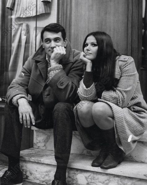 "ROCK HUDSON; CLAUDIA CARDINALE. ""Un couple pas ordinaire"" [1969] (RUBA AL PROSSIMO TUO), réalisé par FRANCESCO MASELLI."