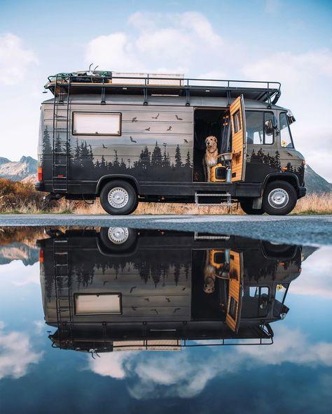 Caravan Home, Kombi Home, Van Life, Motorhome, Vw Camping, Bus Living, Saint Nazaire, Bus Conversion, Caravans For Sale