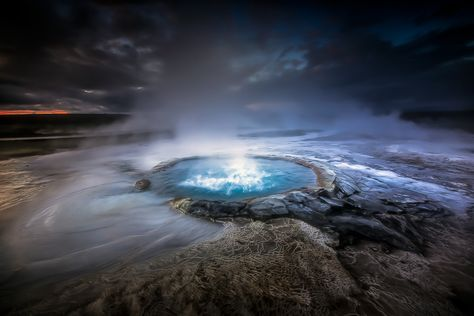 Photographs Of Highland Geysers In Iceland | Latest Trickz
