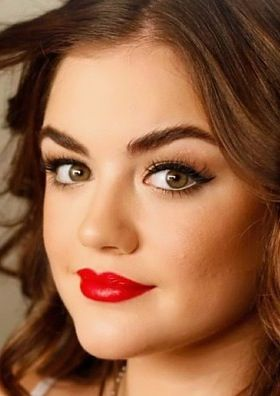 perfect red lips with cat eyeliner for hazel eyes! I have hazel eyes and i like freaked over this look, i like more natrual, u know? Lol -Ꮆ