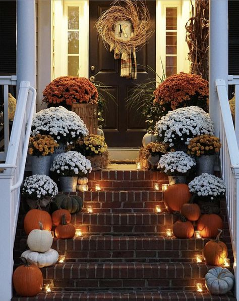 Fall Thanksgiving Halloween Autumn Decorating ideas outdoor front door interior design tablescapes table settings pumpkins flowers fall decor ideas 80 Elegant Ways to Decorate for Fall - The Glam Pad Fall Home Decor, Autumn Home, Holiday Decor, Outdoor Fall Decorations, Front Porch Fall Decor, Fall Porches, Fall Front Door Decorations, Front Porches, Outdoor Ideas