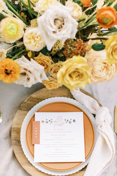 These microwedding design ideas showcase exactly how spring brides can transition their color palettes and decor choices to a fall wedding and vice versa. In the midst of COVID-19, planning a wedding can feel that much more stressful. But this team of wedding vendors from Austin have proven that there is a silver lining, even to these current events! #intimatewedding #covidbride #weddingtrends