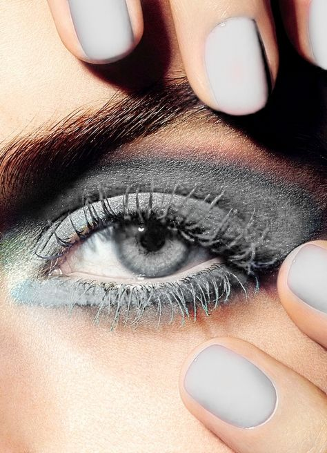 totallytransparent:  Semi Transparent Eye, Nails & Eye Makeup (matches the colour of your blog - drag it!) (may have gone a little OTT w...