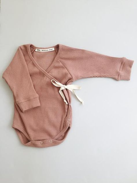 Minioke is an online boutique specialising in kids clothing & accessories. Outfits Niños, Newborn Outfits, Toddler Outfits, Kids Outfits, Newborn Clothing, Neutral Baby Clothes, Organic Baby Clothes, Cute Baby Clothes, Vintage Kids Clothes