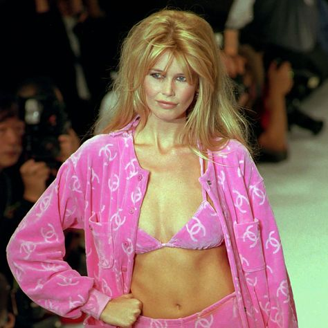 In Honor of Claudia Schiffer's Birthday, Here Are Some Epic FBFs of Her Walking for Chanel in the
