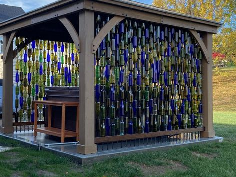 Wine Bottle Fence, Wine Bottle Trees, Recycled Wine Bottles, Wine Bottle Crafts, Hot Tub Gazebo, Wine Wall, Yard Art Crafts, Garden Entrance, Outdoor Rooms