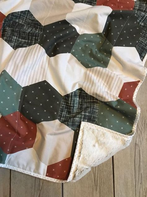 Your place to buy and sell all things handmade Baby Quilt Patterns, Sewing Patterns, Owl Patterns, Owl Quilts, Baby Quilts, Quilting Projects, Sewing Projects, Fabric Crafts, Sewing Crafts