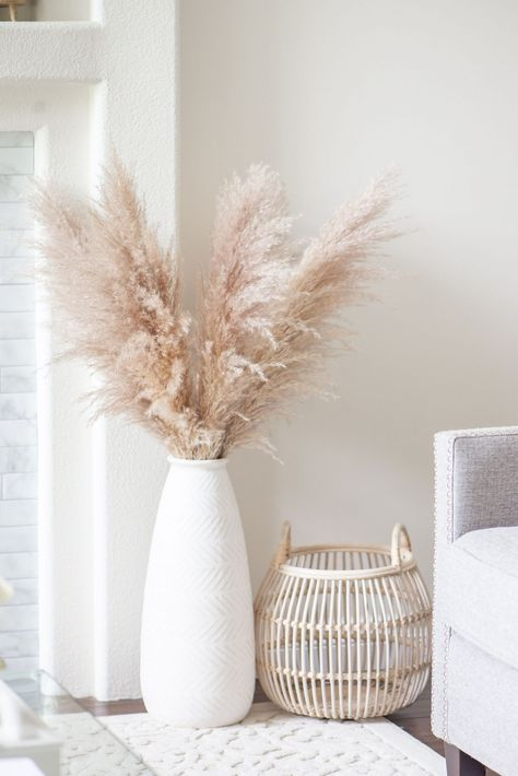 Romantic Home Decor, Fall Home Decor, Autumn Home, Living Room Designs, Living Room Decor, Bedroom Decor, Salons Cosy, Grass Decor, Pampas Grass