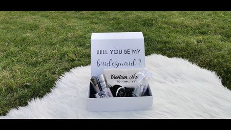 Your beautiful Personalised Bridesmaid Proposal Gift Box is FILLED with lovely treats and gifts for your Bridesmaids and Maid of Honour. A wonderful way to propose to your Bridesmaid or to thank her on or after your big day. #willyoubemybridesmaid #maidofhonor #brideteam #personalizedgiftbox #bridesmaidgifts #bridesmaidproposal