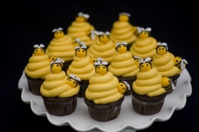 Busy Bees at CakeCentral.com